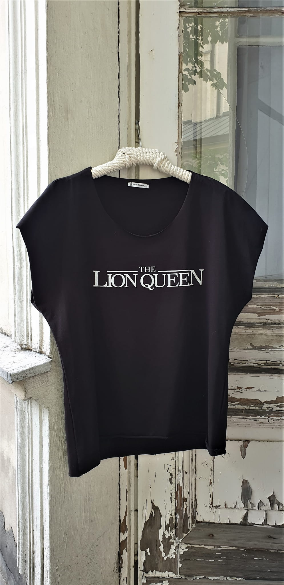 T-shirt The Lion Queen BS Czarny 6.jpg
